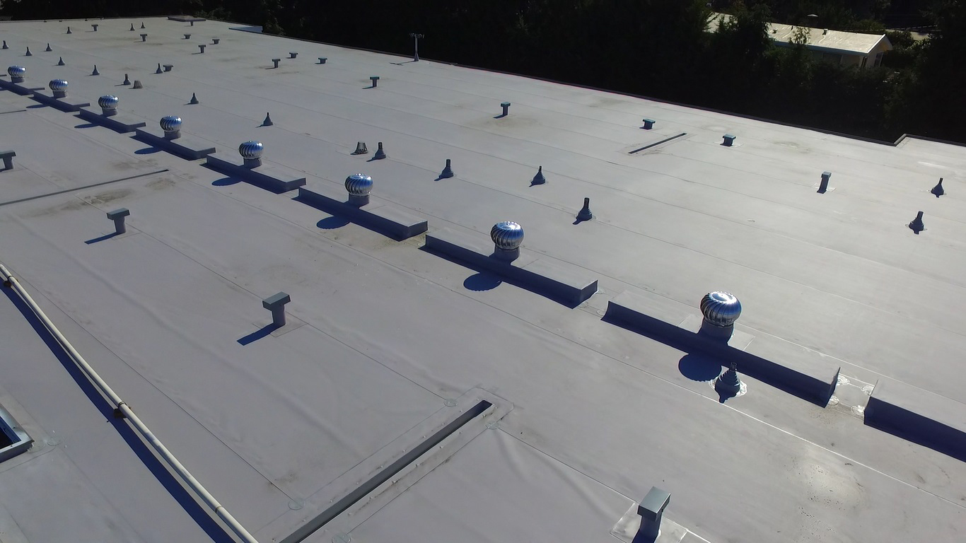 Tpo Roofs With Custom Edge Flashings Amp Tpo Roofing In